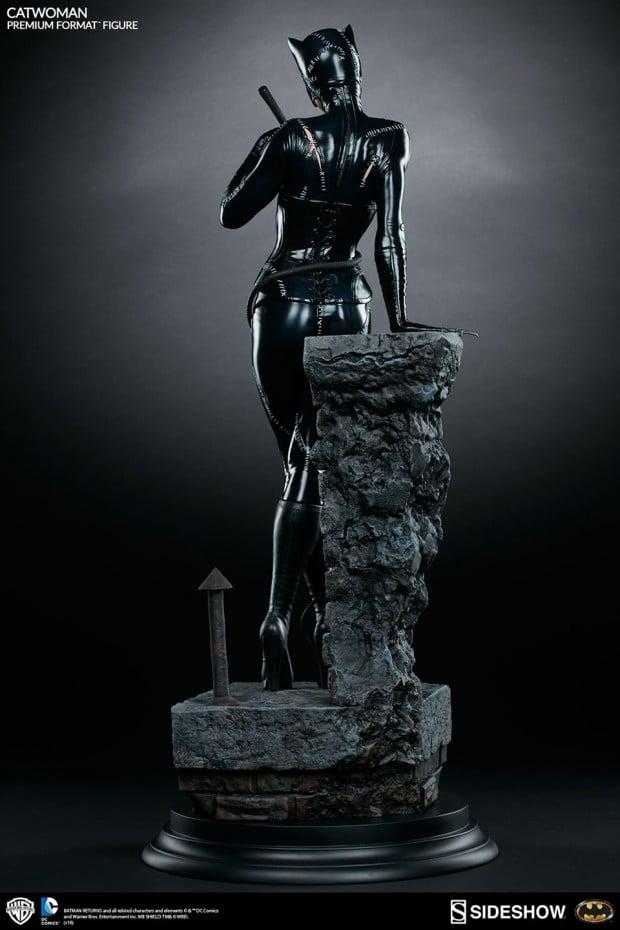 batman_returns_catwoman_premium_format_figure_by_sideshow_collectibles_4