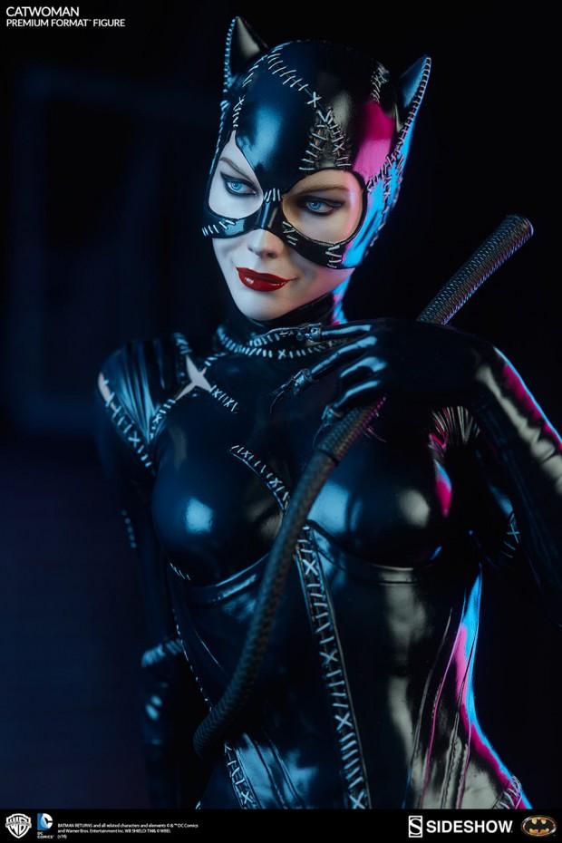 batman_returns_catwoman_premium_format_figure_by_sideshow_collectibles_6