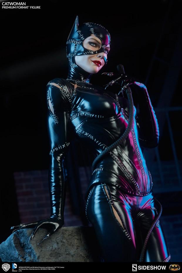 batman_returns_catwoman_premium_format_figure_by_sideshow_collectibles_7