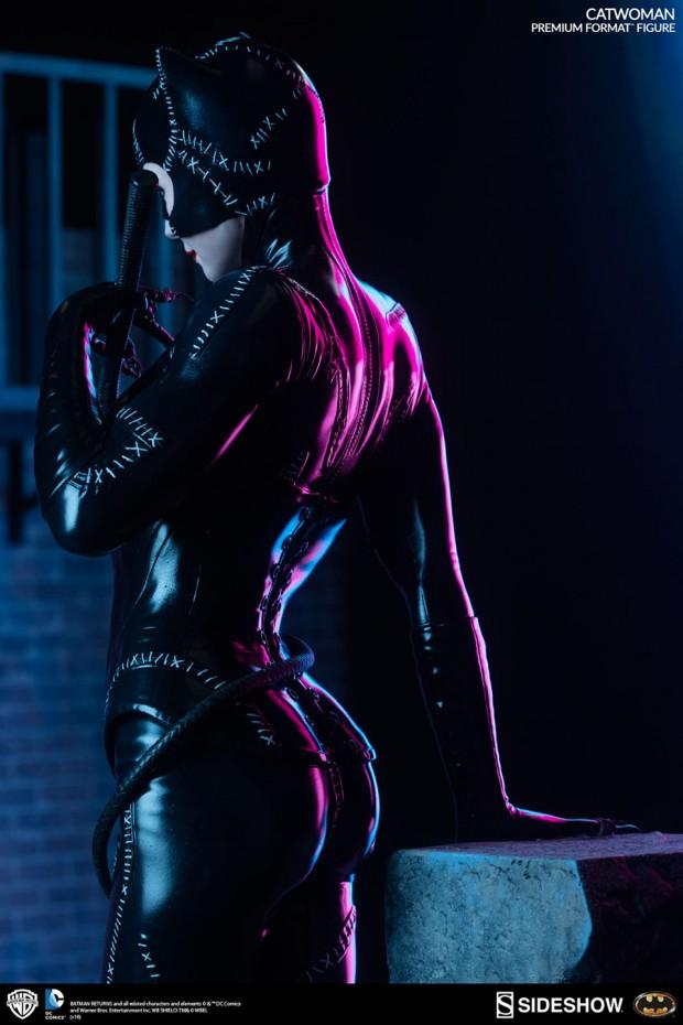 batman_returns_catwoman_premium_format_figure_by_sideshow_collectibles_8