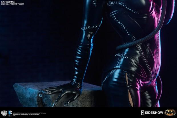batman_returns_catwoman_premium_format_figure_by_sideshow_collectibles_9