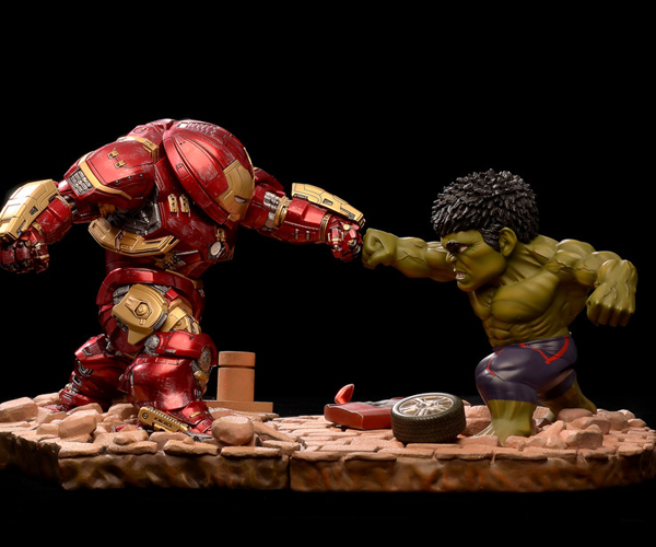 Beast Kingdom Egg Attack Hulkbuster vs. Hulk