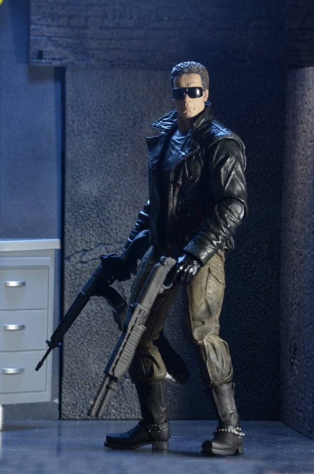 terminator_police_station_assault_t-800_action_figure_by_neca_3