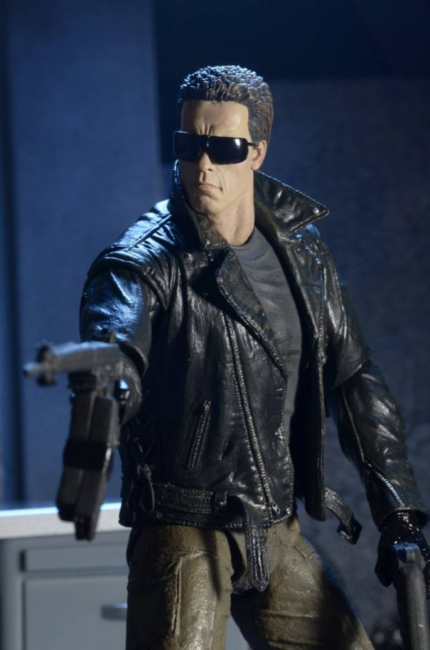 terminator_police_station_assault_t-800_action_figure_by_neca_5