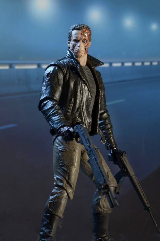 terminator_police_station_assault_t-800_action_figure_by_neca_9