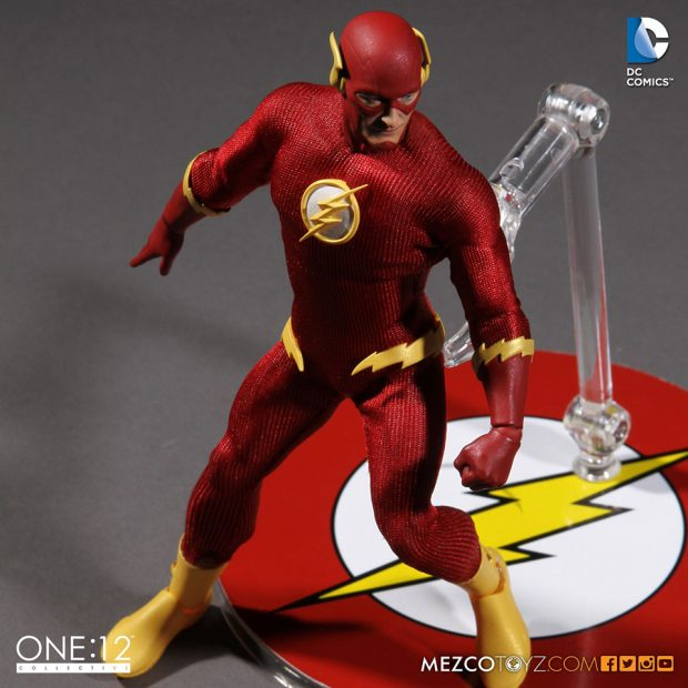 the_flash_one_12_collective_action_figure_by_mezco_toyz_3