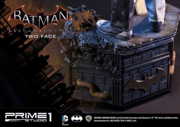 batman_arkham_knight_two-face_statue_by_prime_1_studio_15