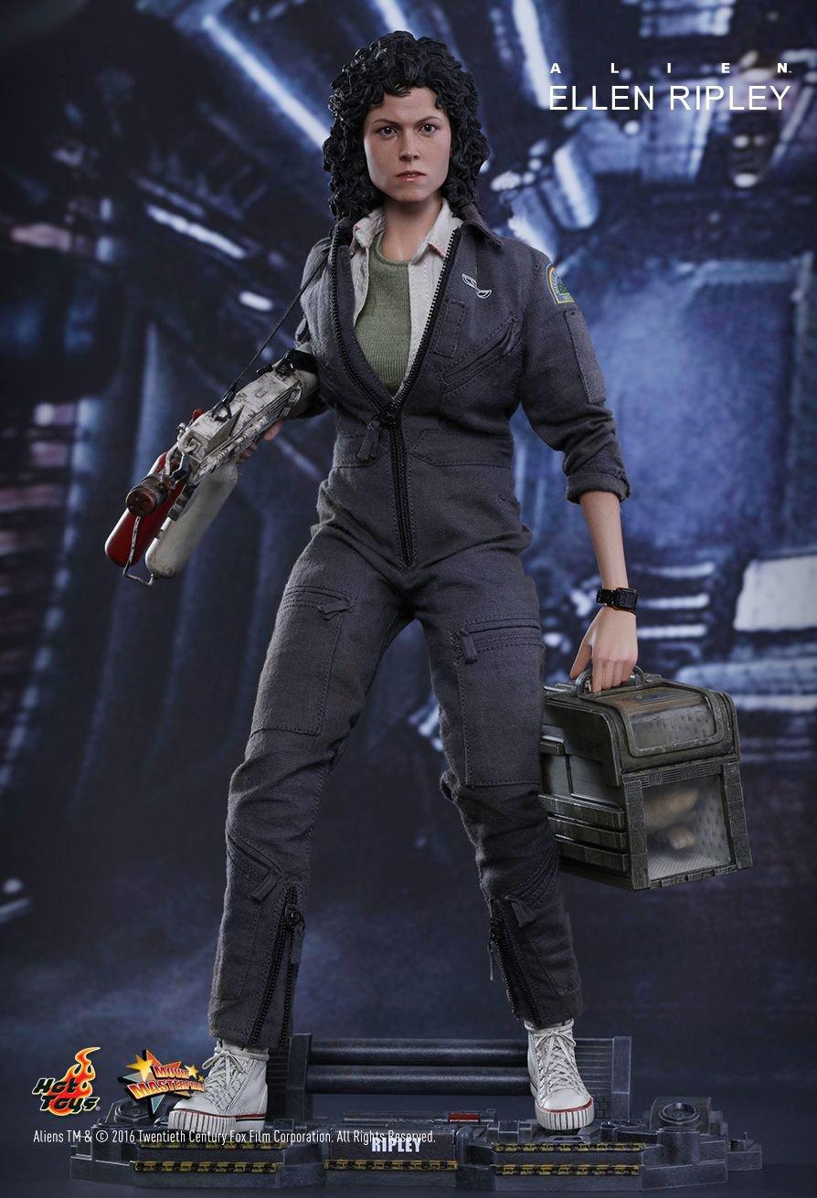 Hot Toys Alien 1/6 Scale Ellen Ripley Action Figure