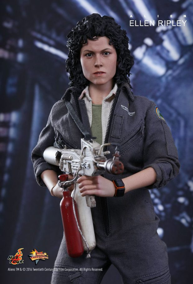 hot_toys_alien_sixth_scale_ellen_ripley_action_figure_10