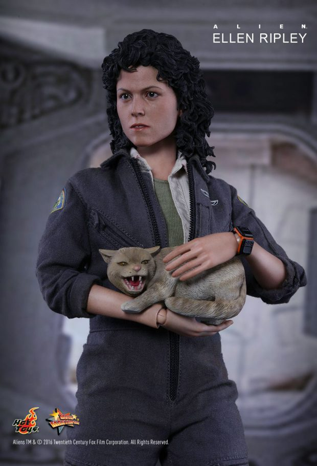 hot_toys_alien_sixth_scale_ellen_ripley_action_figure_14