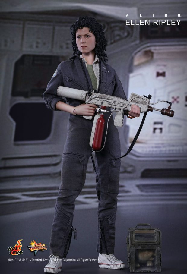 hot_toys_alien_sixth_scale_ellen_ripley_action_figure_4