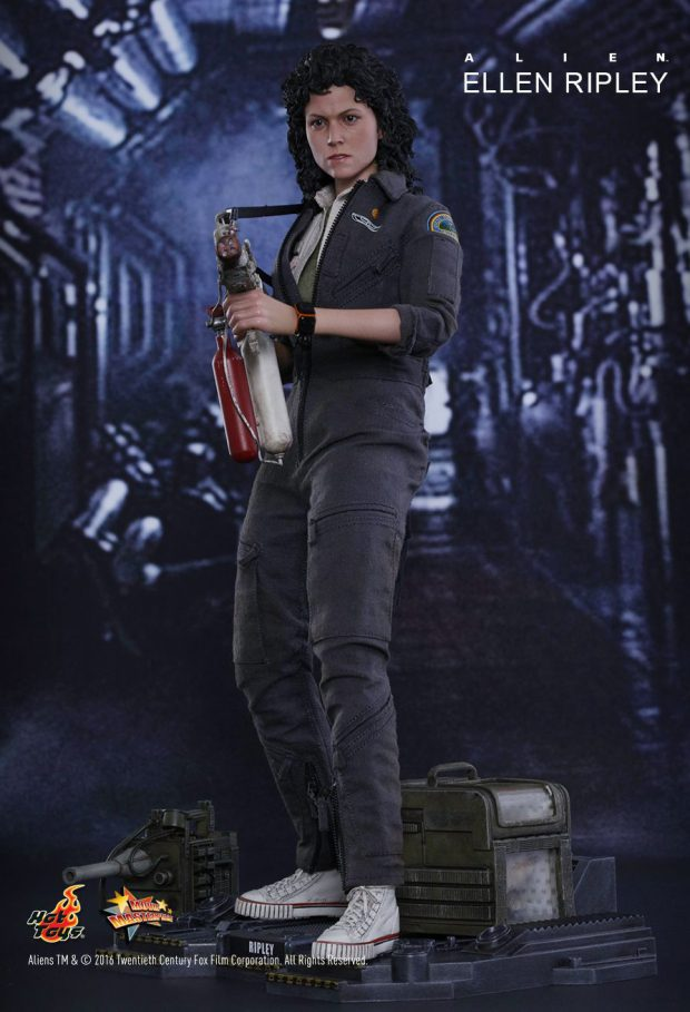 hot_toys_alien_sixth_scale_ellen_ripley_action_figure_6