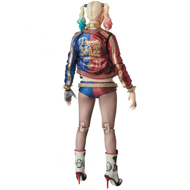 mafex_suicide_squad_harley_quinn_joker_action_figures_by_medicom_4
