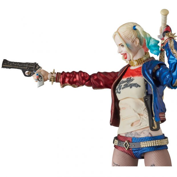 mafex_suicide_squad_harley_quinn_joker_action_figures_by_medicom_9