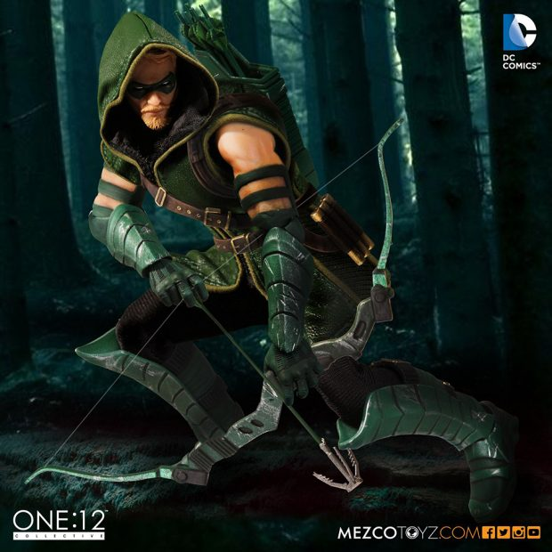 one_12_collective_green_arrow_action_figure_by_mezco_toyz_4