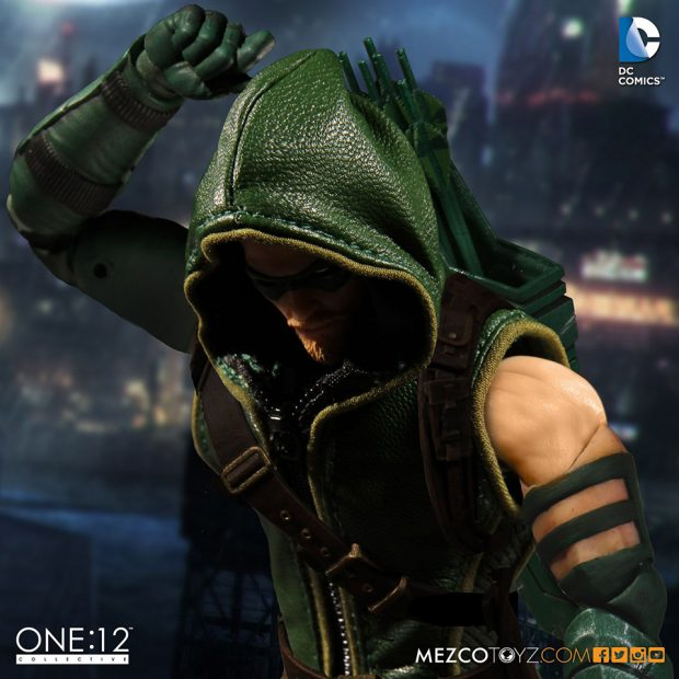 one_12_collective_green_arrow_action_figure_by_mezco_toyz_5