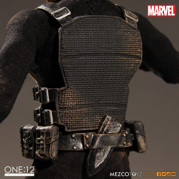 one_12_collective_the_punisher_action_figure_by_mezco_toyz_10