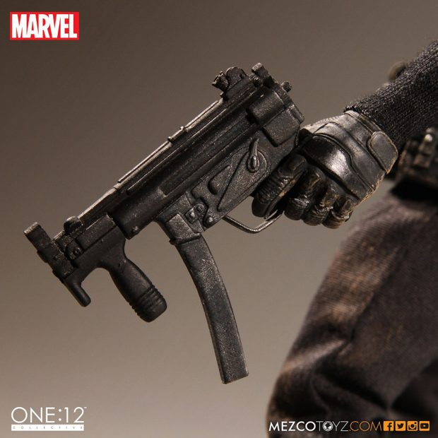 one_12_collective_the_punisher_action_figure_by_mezco_toyz_9