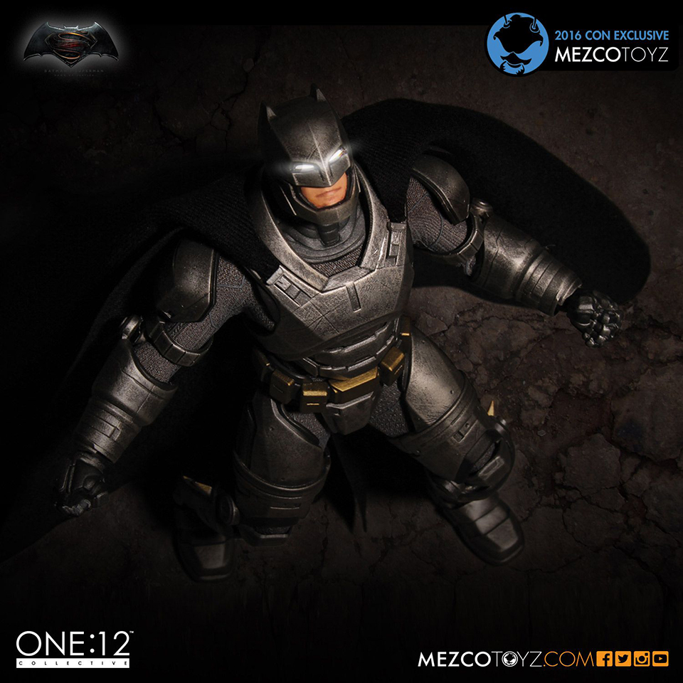 Mezco One:12 Collective BvS Armored Batman Action Figure