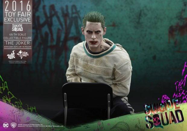 suicide_squad_arkham_asylum_joker_sixth_scale_action_figure_hot_toys_10