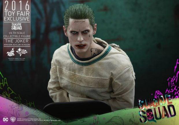 suicide_squad_arkham_asylum_joker_sixth_scale_action_figure_hot_toys_7