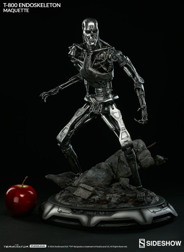 the_terminator_t-800_endoskeleton_maquette_by_sideshow_collectibles_2