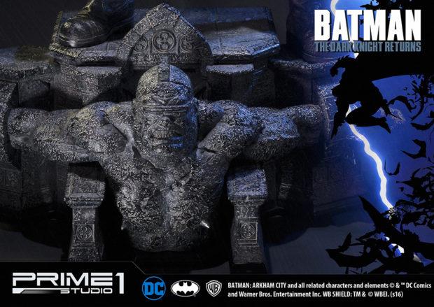 batman_the_dark_knight_returns_statue_by_prime_1_studio_15