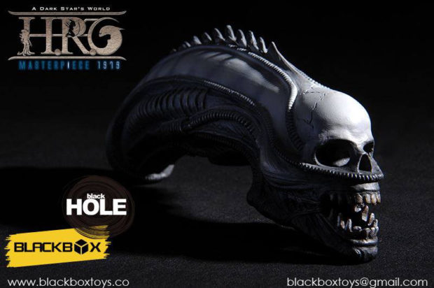 blackbox_hr_giger_sixth_scale_action_figure_10