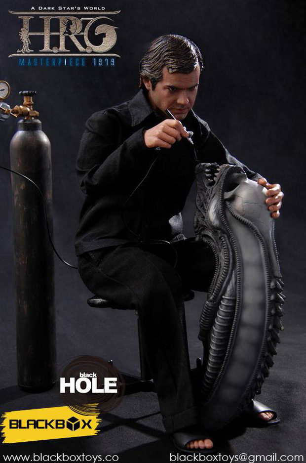 blackbox_hr_giger_sixth_scale_action_figure_5