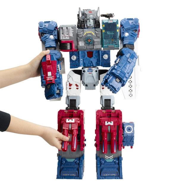 transformers_generations_titans_return_fortress_maximus_figure_by_hasbro_3