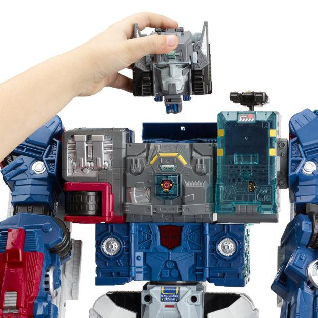 transformers_generations_titans_return_fortress_maximus_figure_by_hasbro_5