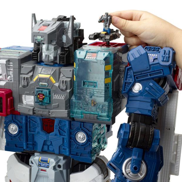transformers_generations_titans_return_fortress_maximus_figure_by_hasbro_8