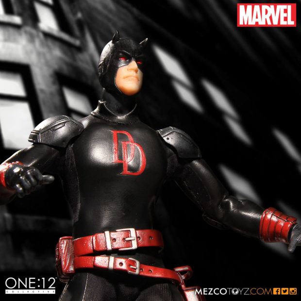 daredevil_shadowland_one_12_collective_action_figure_by_mezco_toyz_4