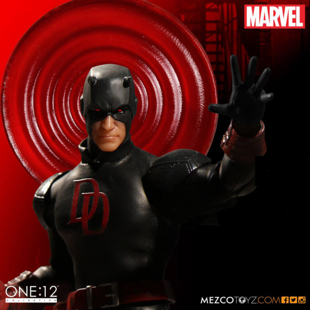 daredevil_shadowland_one_12_collective_action_figure_by_mezco_toyz_6