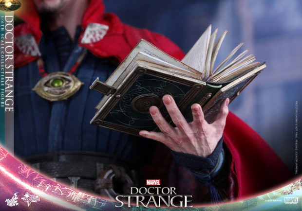 doctor_strange_sixth_scale_action_figure_hot_toys_10