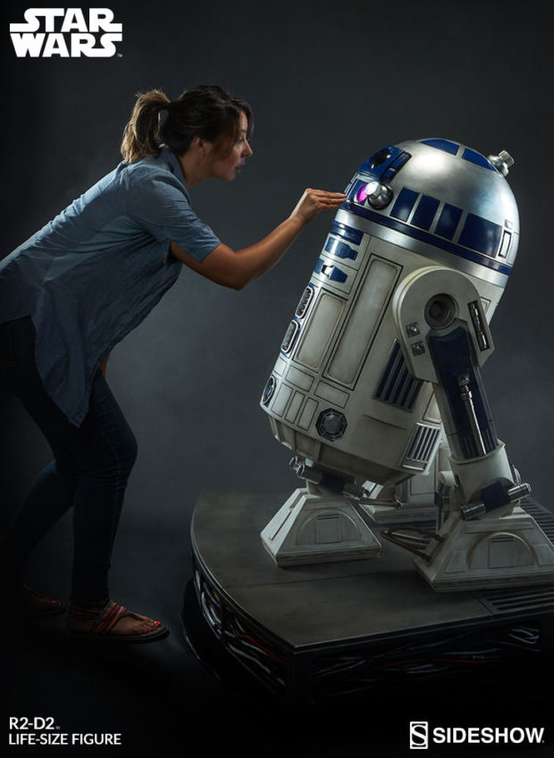 star_wars_life-size_r2-d2_figure_by_sideshow_collectibles_12