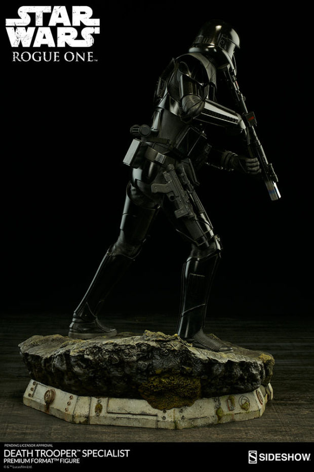 star_wars_rogue_one_specialist_death_trooper_premium_format_figure_sideshow_collectibles_6