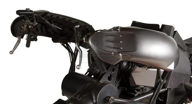 the_dark_knight_batpod_batman_motorcycle_prop_auction_7