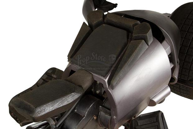 the_dark_knight_batpod_batman_motorcycle_prop_auction_8