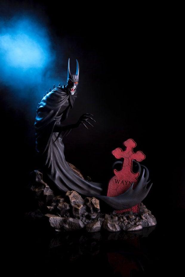 batman_red_rain_statue_mondo_7