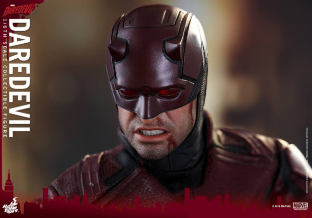 netflix_daredevil_sixth_scale_action_figure_hot_toys_9