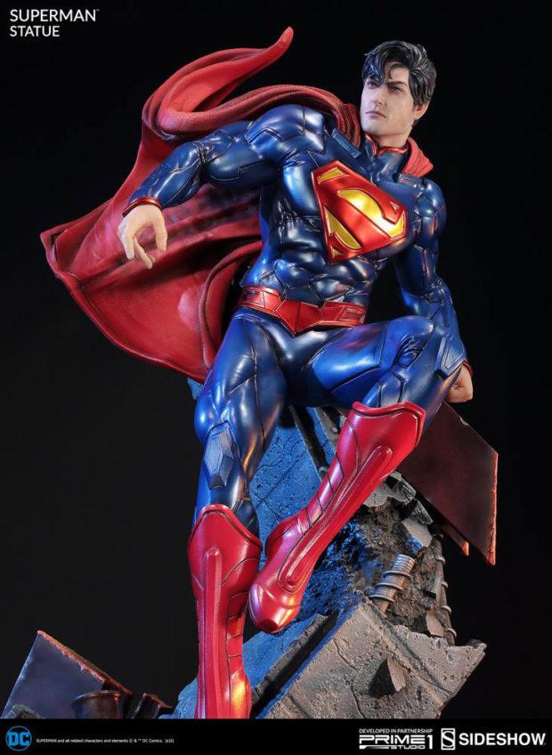new_52_superman_statue_prime_1_studio_2