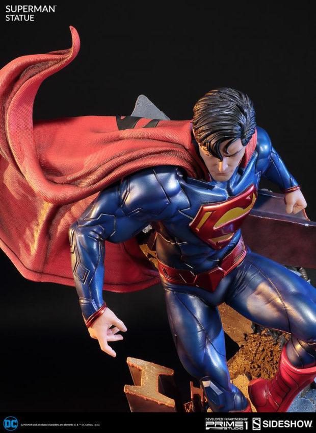 new_52_superman_statue_prime_1_studio_4
