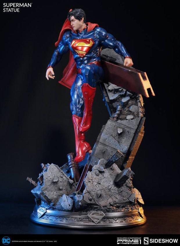 new_52_superman_statue_prime_1_studio_6
