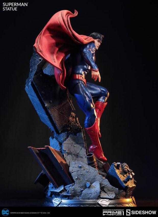 new_52_superman_statue_prime_1_studio_9