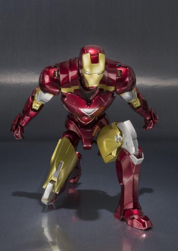 sh_figuarts_iron_man_3_hall_of_armor_display_case_bandai_7