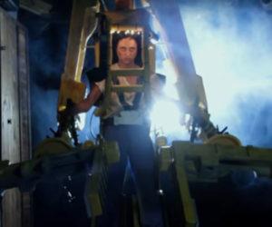 """A """"Homemade"""" Remake of Aliens' Power Loader Scene"""