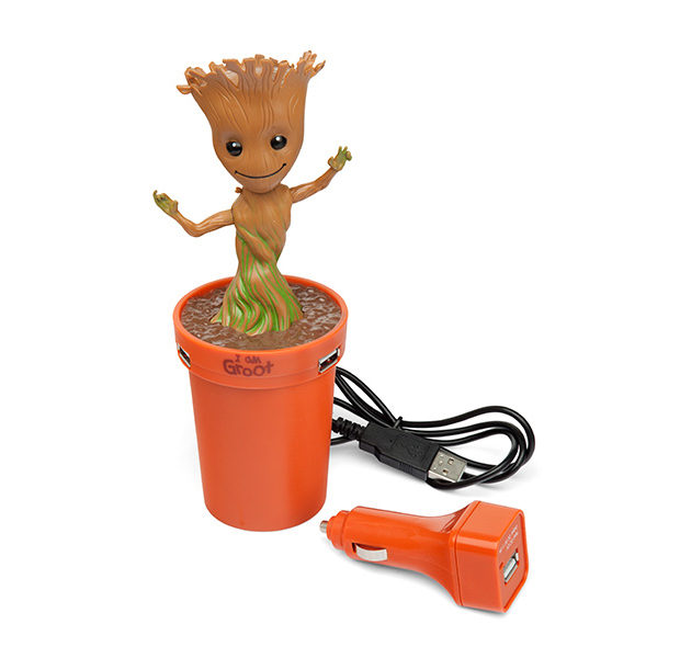 guardians_of_the_galaxy_dancing_groot_usb_car_charger_thinkgeek_1