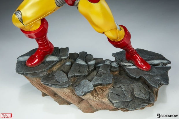 iron_man_avengers_assemble_statue_sideshow_collectibles_8