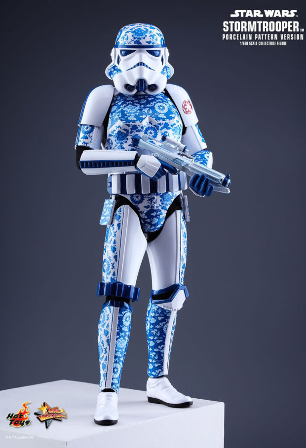 porcelain_pattern_stormtrooper_sixth_scale_action_figure_star_wars_hot_toys_12